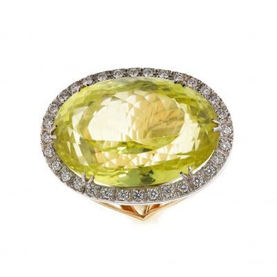 Pierścionek złoty z kwarcem cytrynowym 50,85 ct i brylantami 0,68 ct Vs/G