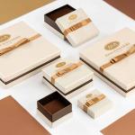 Naszyjnik kolia z białego złota z wiszącymi szafirami