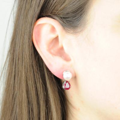 A&A Kolczyki z białego złota z rubinami i perłami