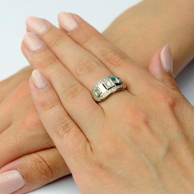 A&A Wykonany ręcznie pierścionek ze złota z brylantami