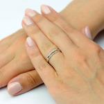 Pierścionek z białego i różowego złota z brylantami